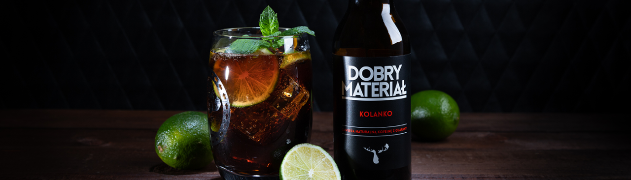 https://dobrymaterial.pl/wp-content/uploads/2019/08/kolanko_drink2-1280x366.png